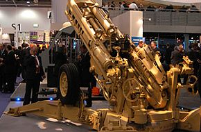 M777 lightweight 155mm towed howitzer