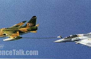 a Mirage2000 Refuling by an A-7E Corsair Hellenic Air Force