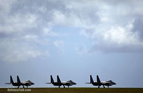 F-15C's wait to take off - Valiant Shield 2006