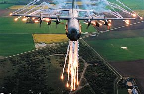 C-130 Hercules - Military Aircraft Wallpapers