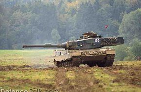 Leopard 2 Tank - Military Weapons Wallpapers