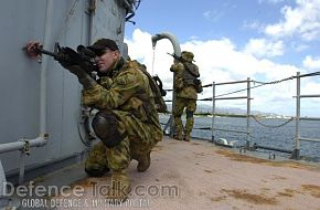 VBSS training onboard the USS Valley Forge - RIMPAC 2006