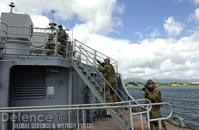 Training onboard the USS Valley Forge - RIMPAC 2006