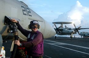 E-2C - USS Kitty Hawk (CV 63) Aircraft Carrier - US Navy