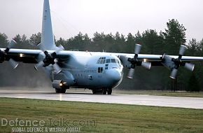 C-130 Hercules lands - Swedish Air Force, Nordex 2006