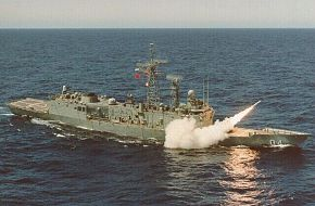 HMAS Darwin Firing Off