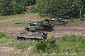 Leopard 2A6 together with Marder IFV, German Army