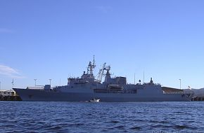 HMNZS Te Mana  -  Anzac class frigate  -  in Hobart March 2007