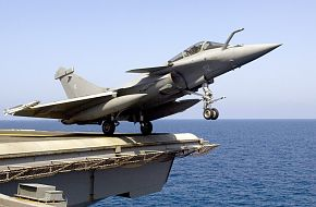French Rafale M combat aircraft, US Navy Aircraft Carrier