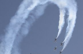 USAF Thunderbirds Flight Demonstration Team F-16 Falcon