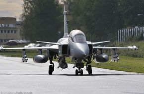 Gripen Demo, flying with heavy load.