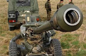 Army's 105mm Light Gun - British Army Firepower
