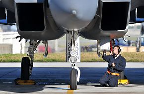 F-15C Aircraft Maintenance - USAF-JASDF Training