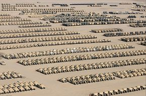 Iraq Drawdown - Army Vehicles and Equipment Moving