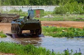 btr-80 water crossing