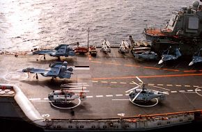 Ka-27 and Su-33 on Kuznetsov