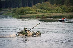 BMD-4 river crossing