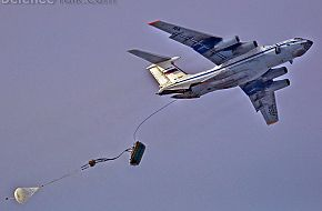Il-76 dropping BMD-1