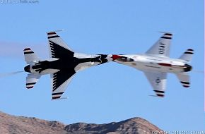 USAF Thunderbirds F-16 Fighter