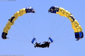 US Navy Leap Frogs Parachute Team