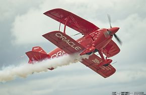 Sean Tucker Oracle Challenger Stunt Biplane