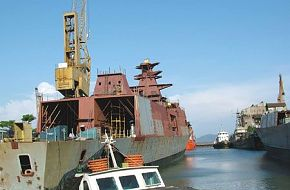 INS Shivalik and sistership Satpura nder construction (P17)