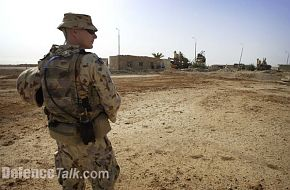 An Australian soldier on patrol as part of the Al Muthanna task group in Ir
