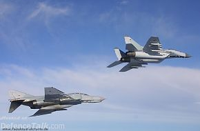 Mig-29 in formation with a F-4F-Phantom