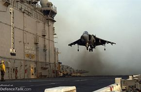 Bright Star Exercise 2005 - AV-8B Harrier lands