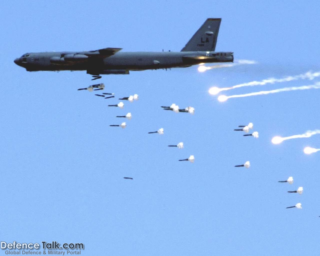B-52 Bobmer - Military Aircraft Wallpapers
