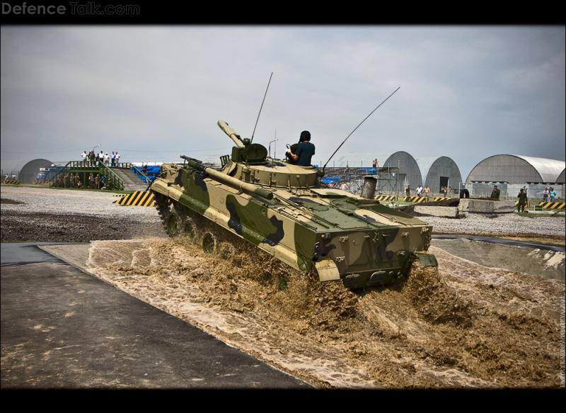 BMD-4 water crossing
