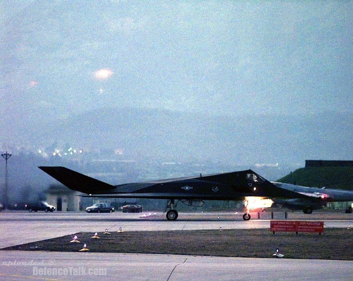 F-117 Nighthawk - United States Air Force (USAF) - ready to attack