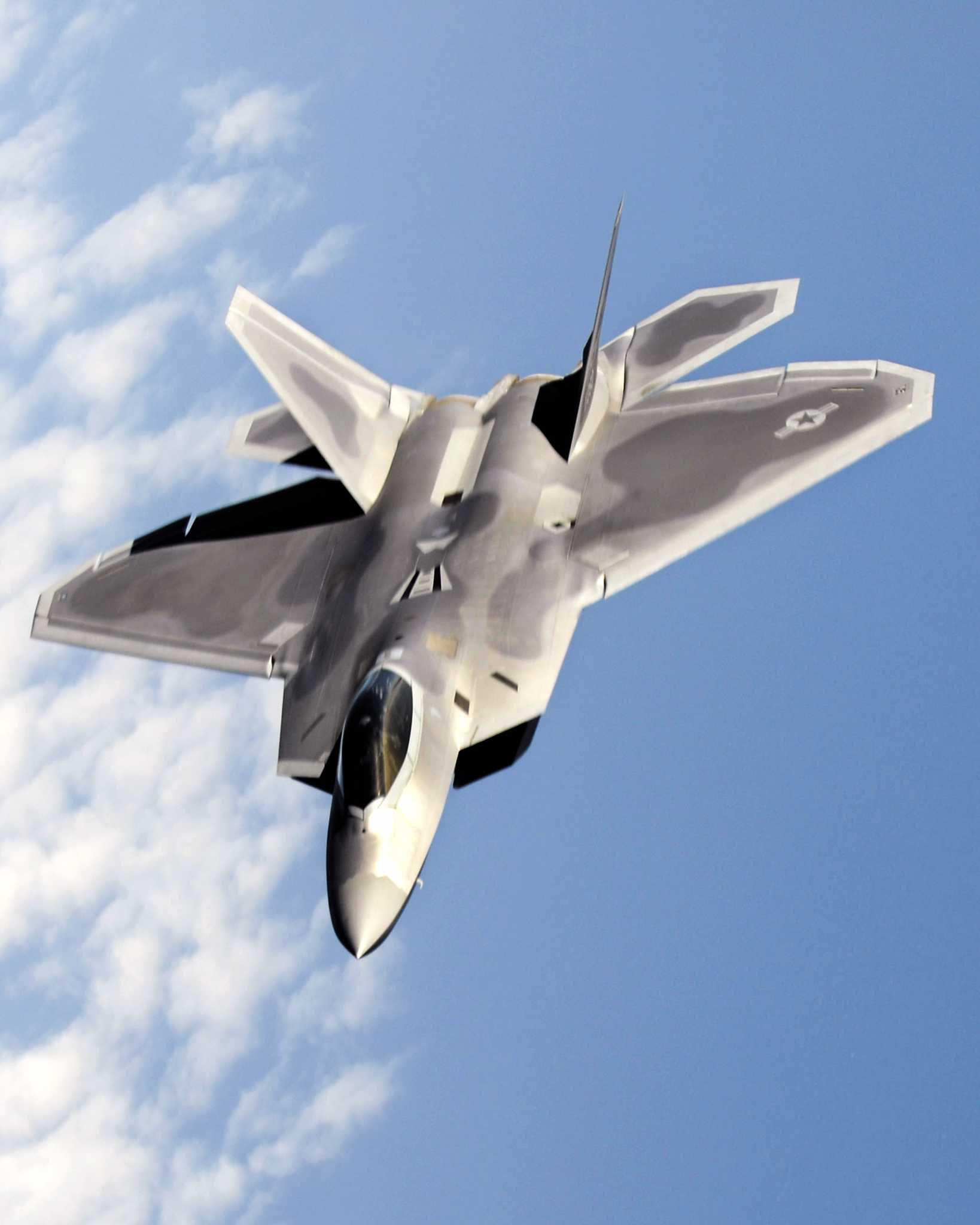F-22s Back to Skies But Still No Oxyge...