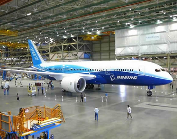 Boeing Reports First-Quarter Deliveries