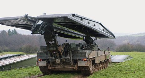 Swiss Army Opts for Leguan Bridge Laye...