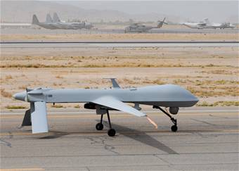 US surveillance drone crashes in Pakis...