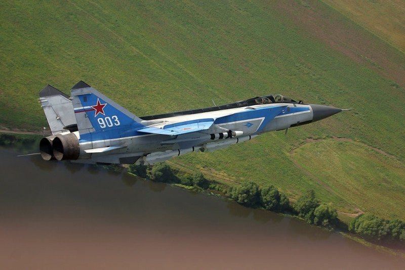 Russia Keeps 30 MiG-31 Interceptors on...