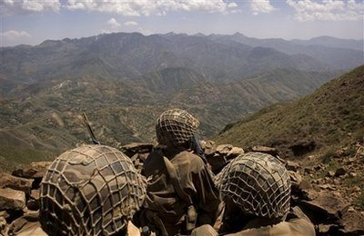 Pakistan army tells tribes to evict fo...
