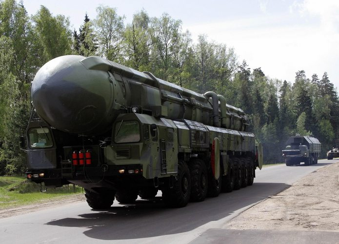 Russia successfully tests Topol missil...