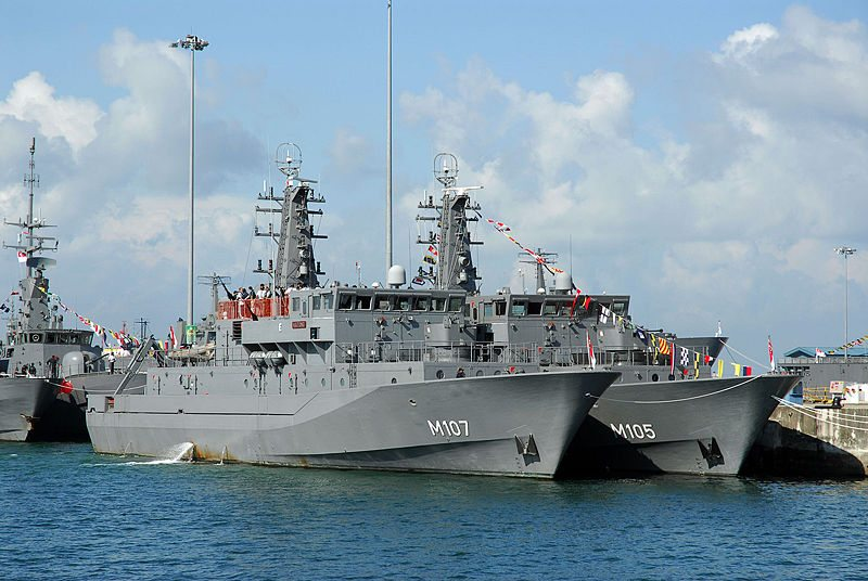 Singapore Navy to Upgrade Mine Countermeasures Vessels