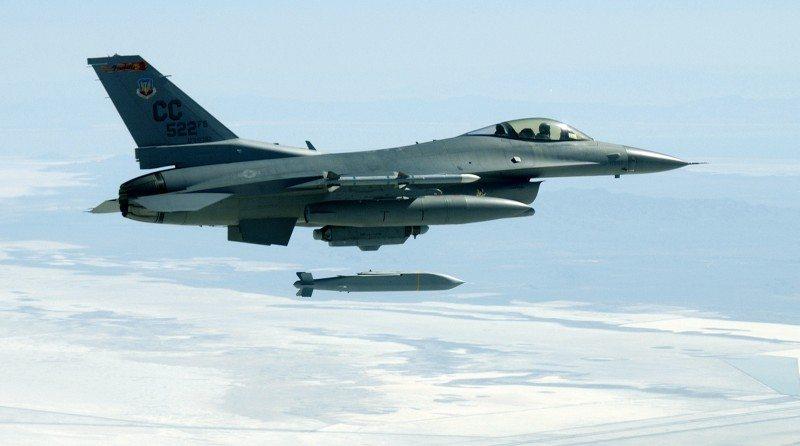 Singapore Plans F-16 Block 52 Upgrade