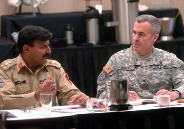 Army hosts counterinsurgency seminar with Pakistani military
