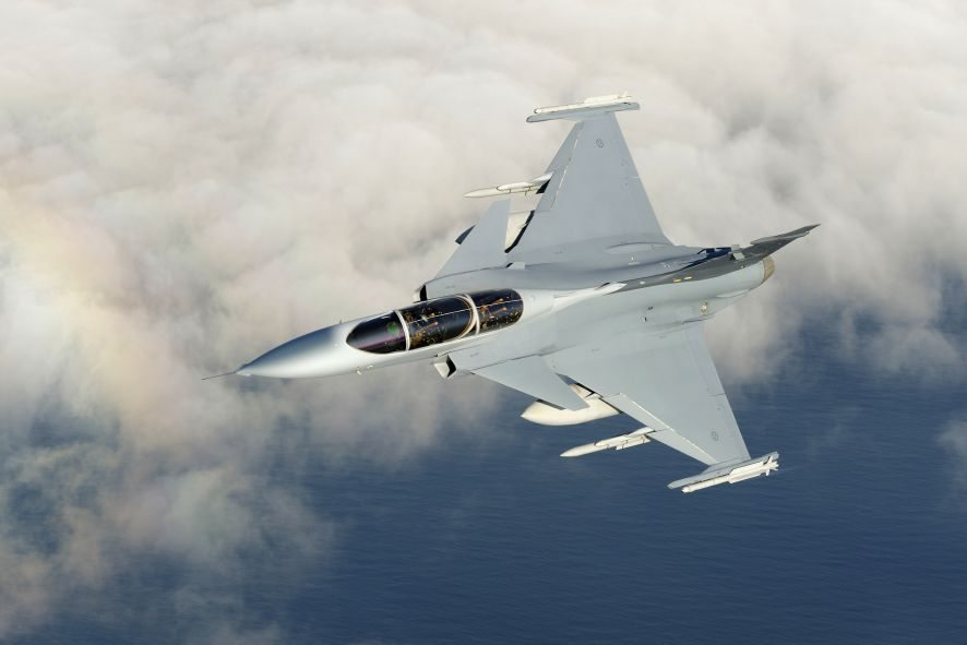 Czechs to extend Swedish Gripen fighter jet lease