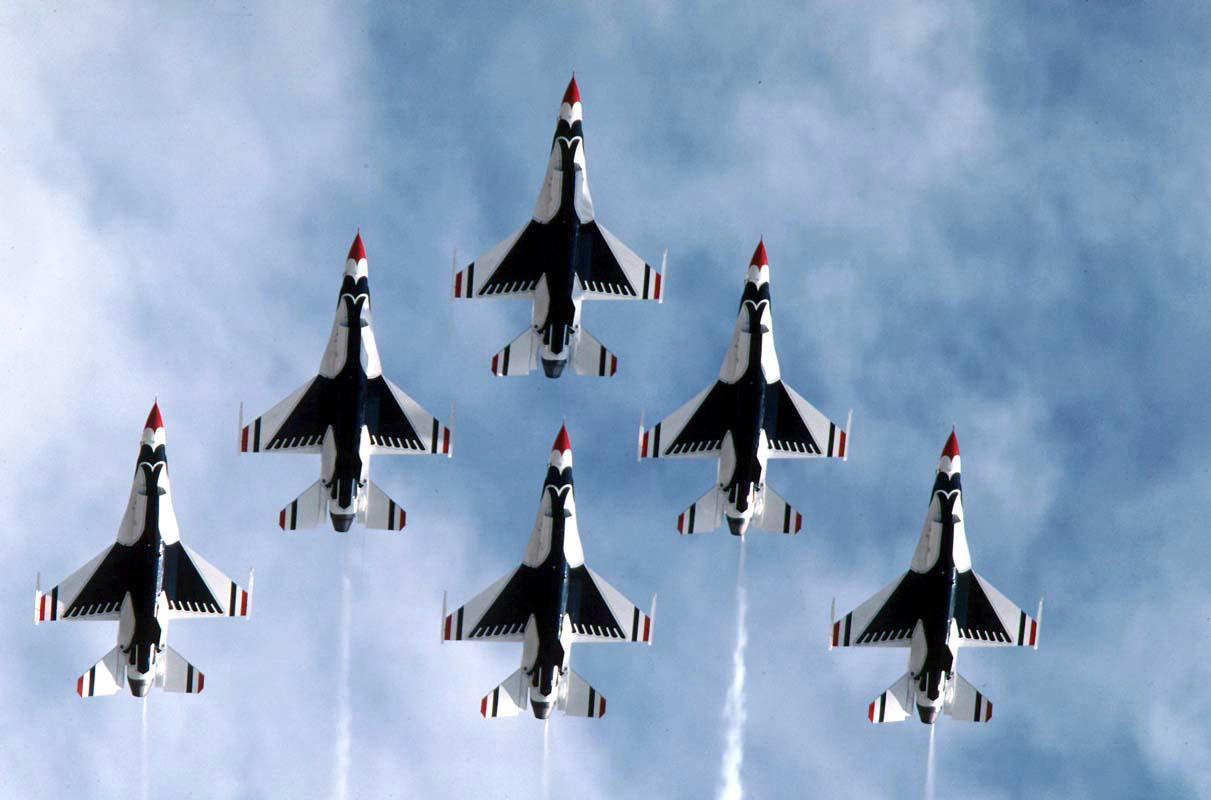 Thunderbirds release 2012 airshow sche...
