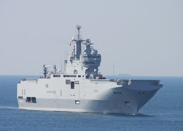 Russia agrees to buy French Mistral ship: report
