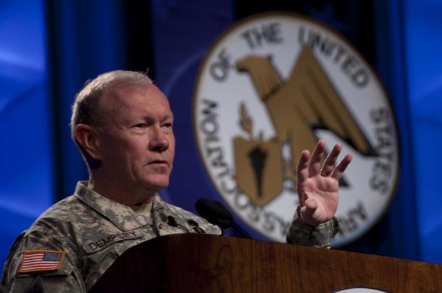 Top US military officer backs arming U...