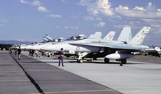 Boeing Delivers Five More F-18 Super Hornets to RAAF