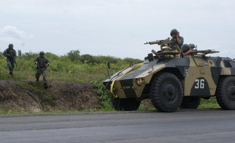 US military trains with Ecuadorians on mounted operations