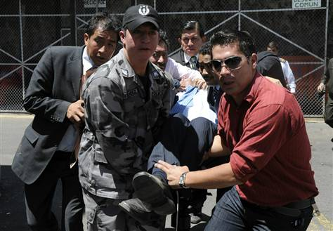 Ecuador expels US officers, cancels military program