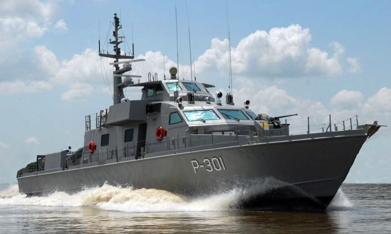 US Navy Delivers Two Coastal Patrol Boats to Iraq